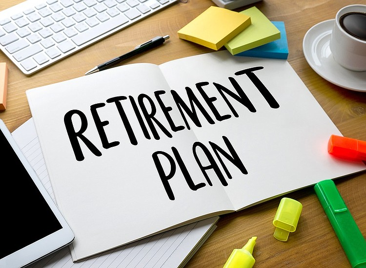 Traditional Retirement versus Early Retirement